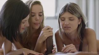 Русское порно: Katya Clover, Dione, Gina Gerson - First Day In Heaven (
