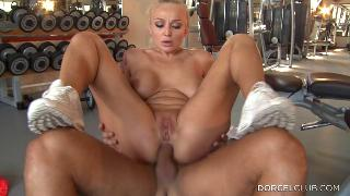 Русское порно:  Kayla Green, ass fucked at the gym club